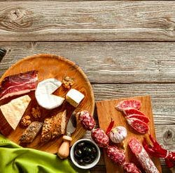 assortiment-fromage-charcuterie